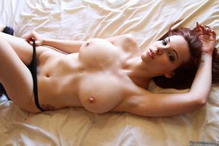 Photos hot de filles aux gros seins nus