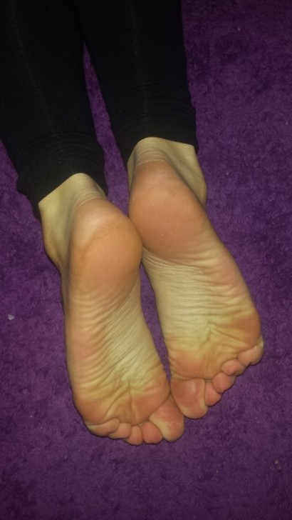 jeune salope pied sexy (10)