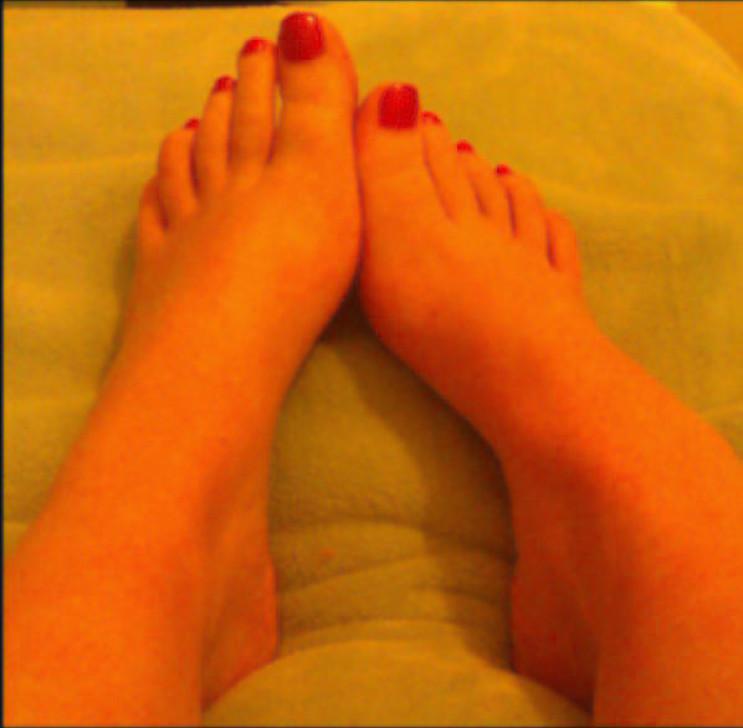 jeune salope pied sexy (4)