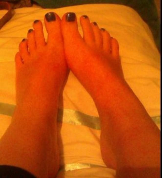 jeune salope pied sexy (6)
