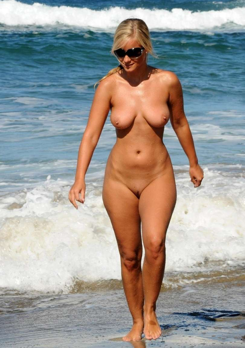 women with no tan lines
