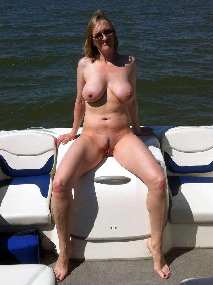 lunettes soleil big boobs (21)