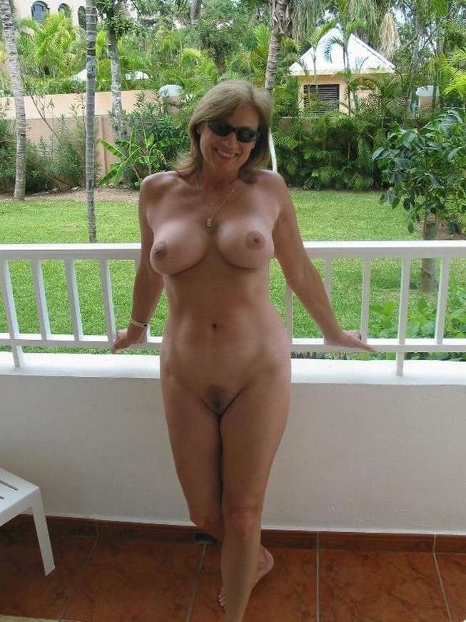 lunettes soleil big boobs (6)