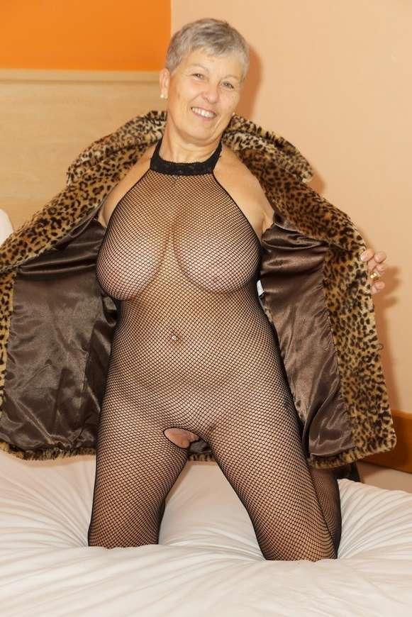 mamie sexy baise (1)