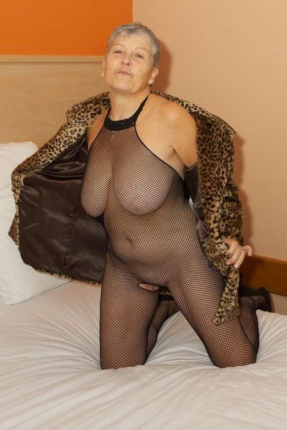 mamie sexy baise (2)