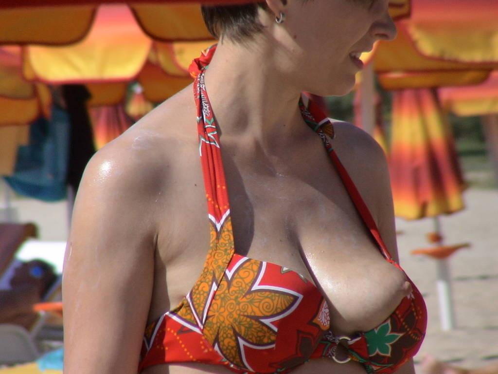 oops nichons bikini (8)