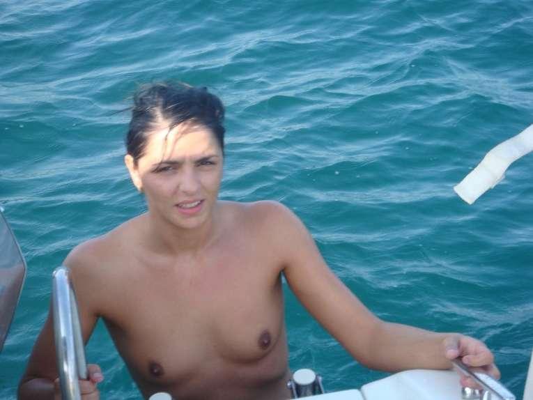 petits seins plage (12)