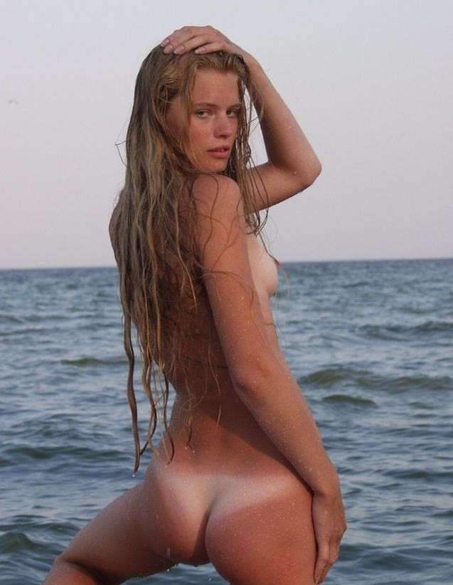 sexy sluts on nude beach