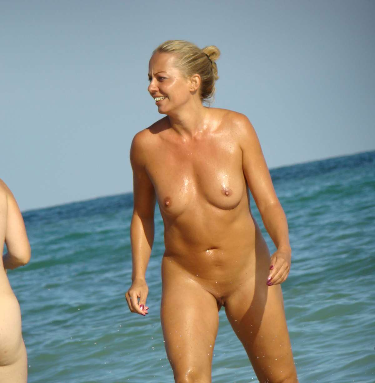 petits seins plage (7)