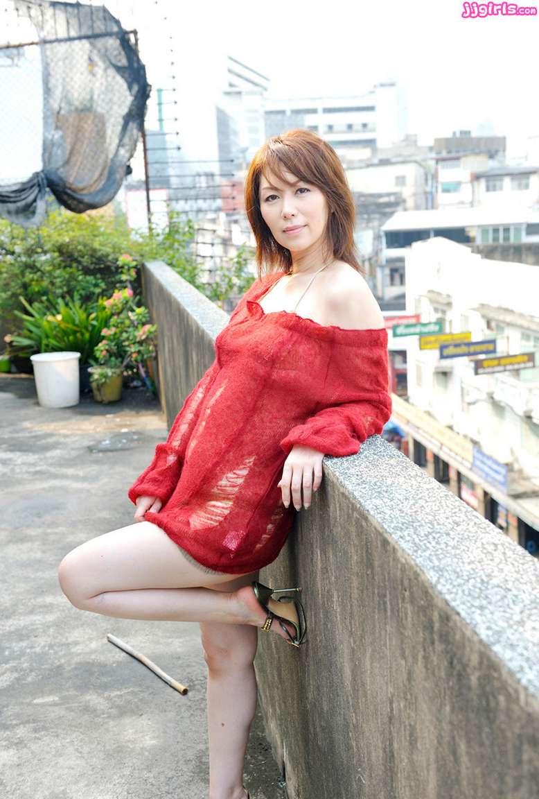 MILF asiatique vraiment bonne (34)