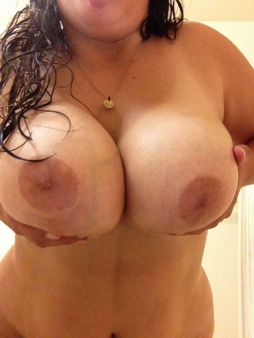 amatrice ronde nue selfie (20)