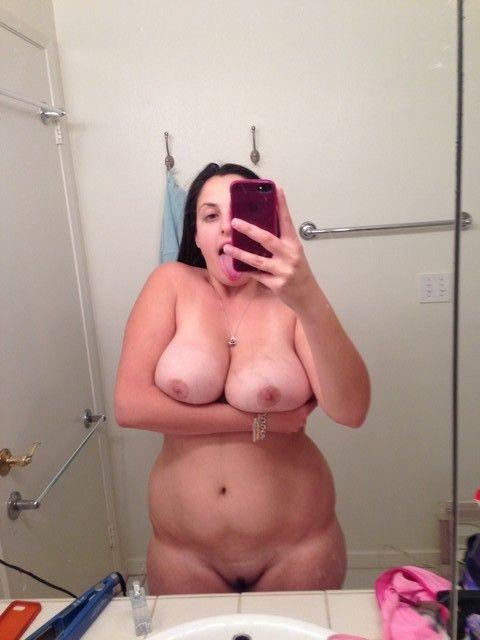 amatrice ronde nue selfie (28)