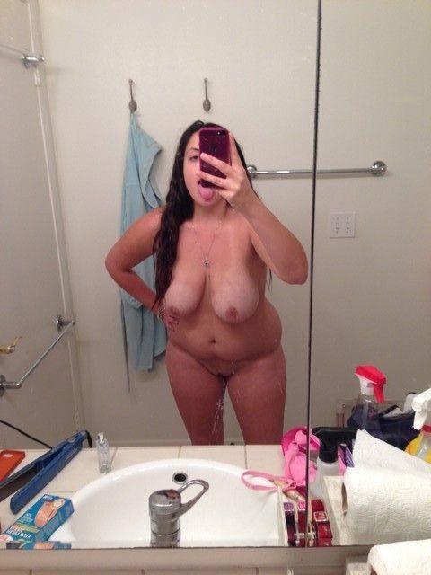 amatrice ronde nue selfie (29)