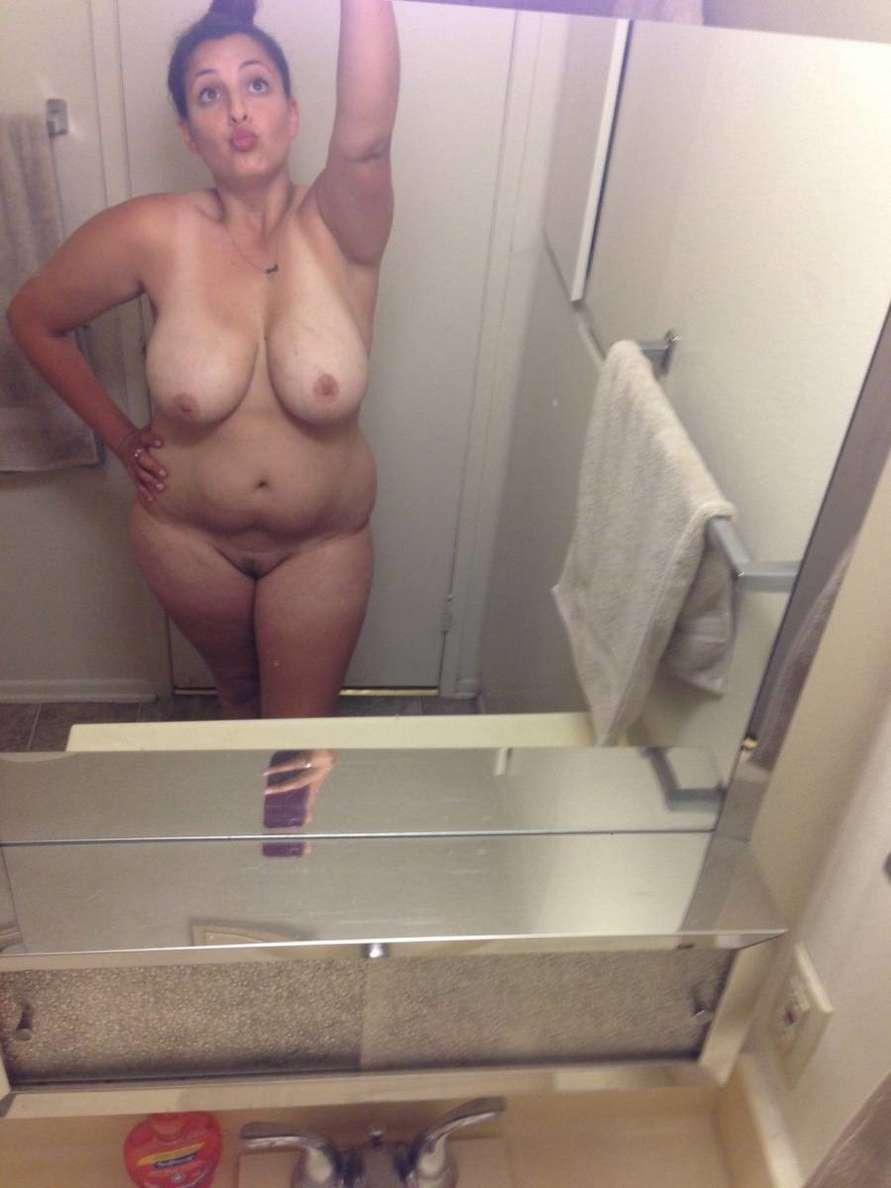 amatrice ronde nue selfie (45)