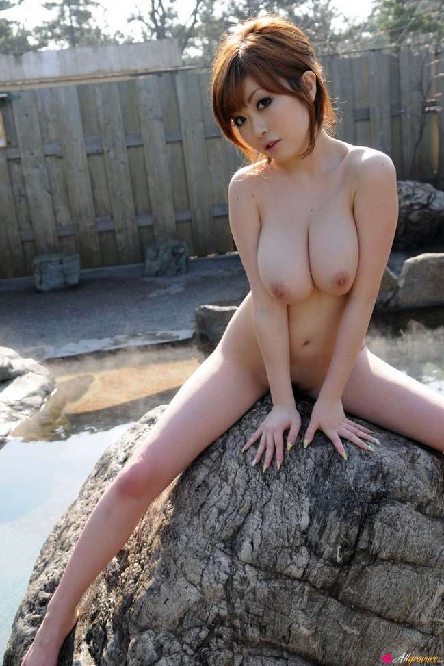 asiatique nue gros seins (109)
