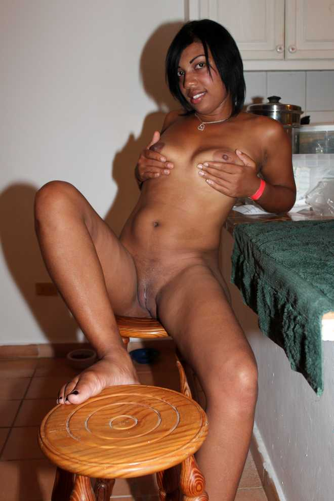 Latin big tit black shemale