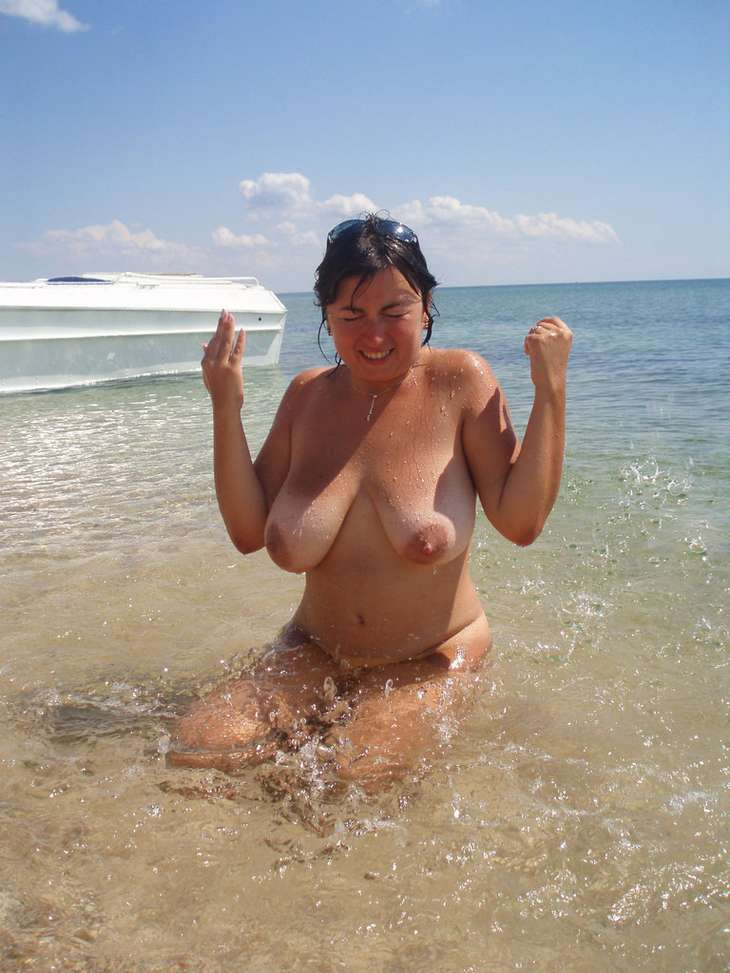from Josue nude mature oiled women at beach