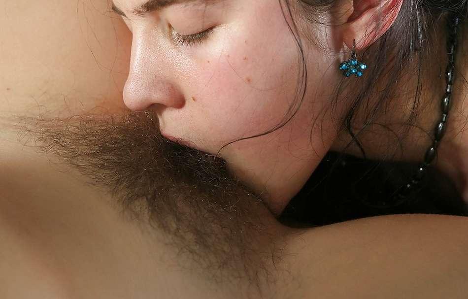 cunni lesbienne poilue (18)