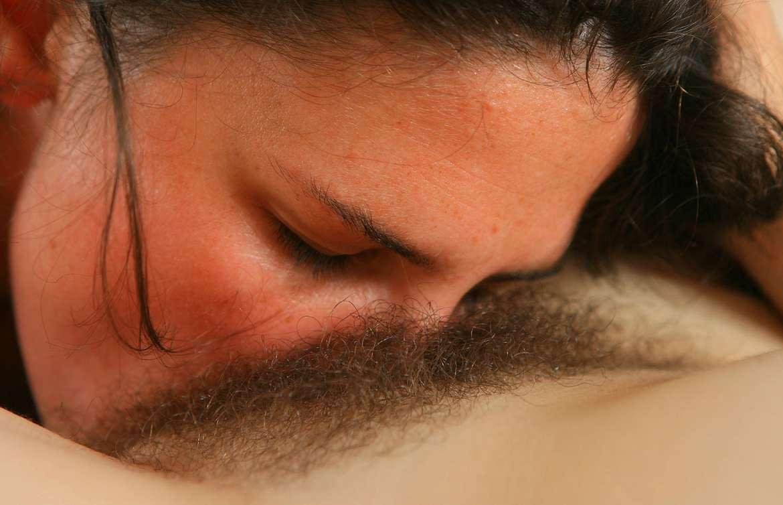 cunni lesbienne poilue (3)