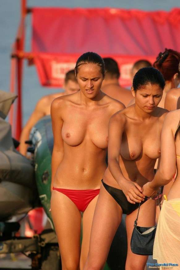 duo topless (17)