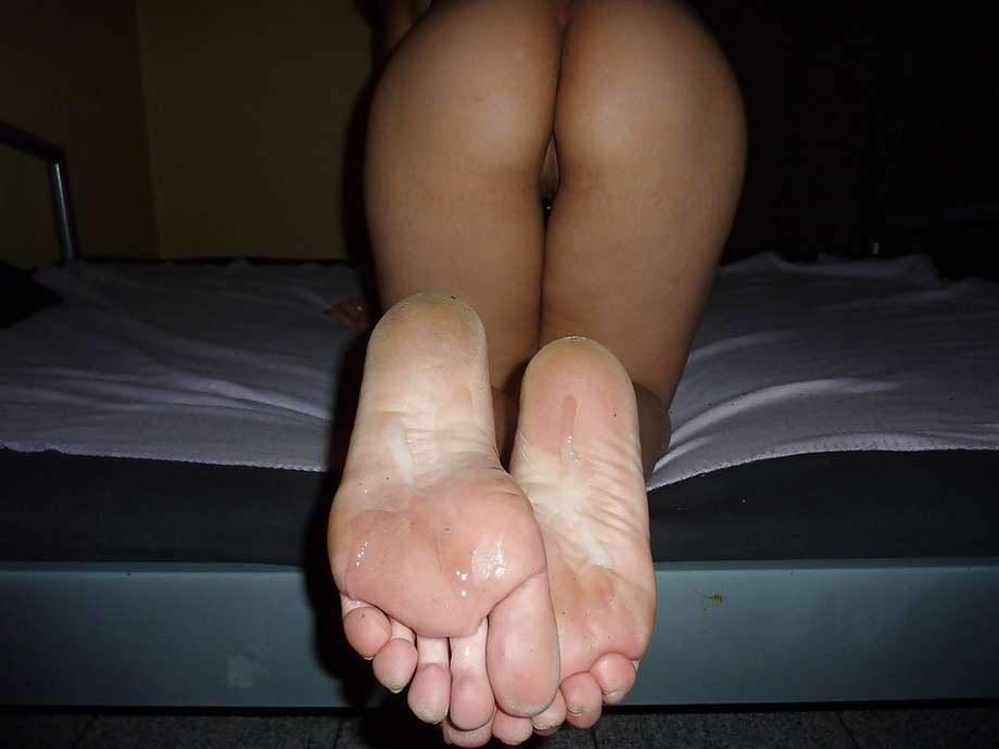 salope 20000 ejaculation sur les pieds