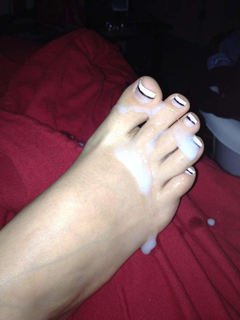 ejac pieds femme nue (25)