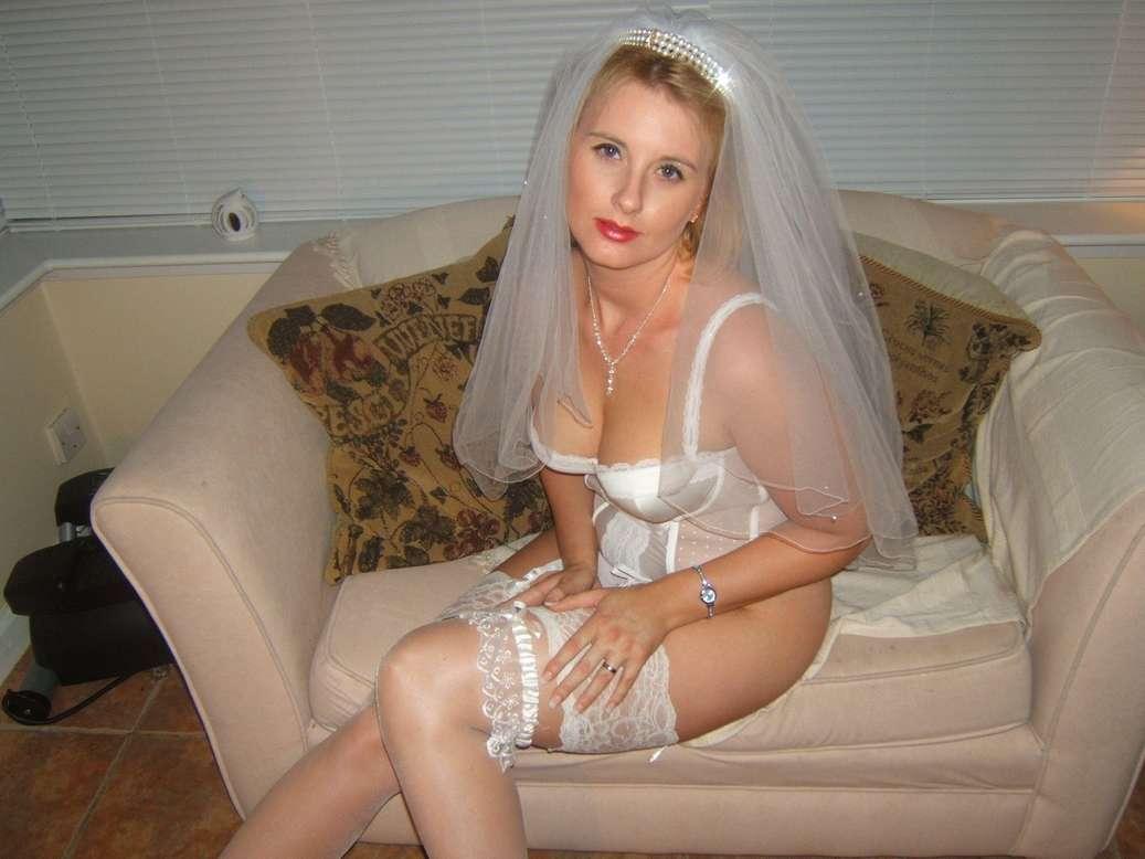 femme blonde mariee (1)