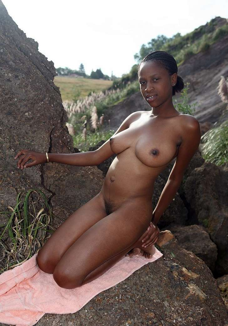 African beauty fuckin in jungle with white guy 5