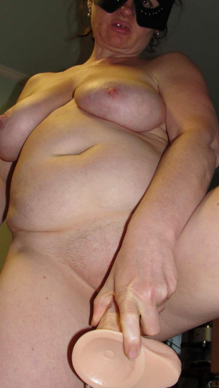 femme nue amatrice suce (6)