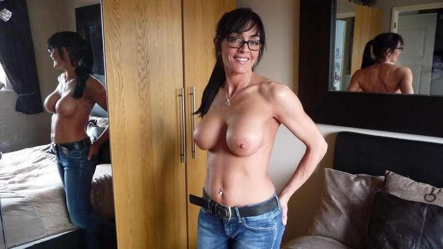 fille nue jeans (12)