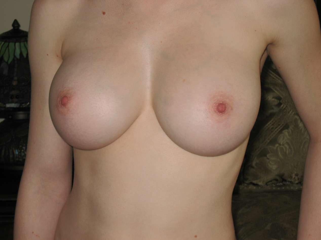 gros seins blonde nue (106)