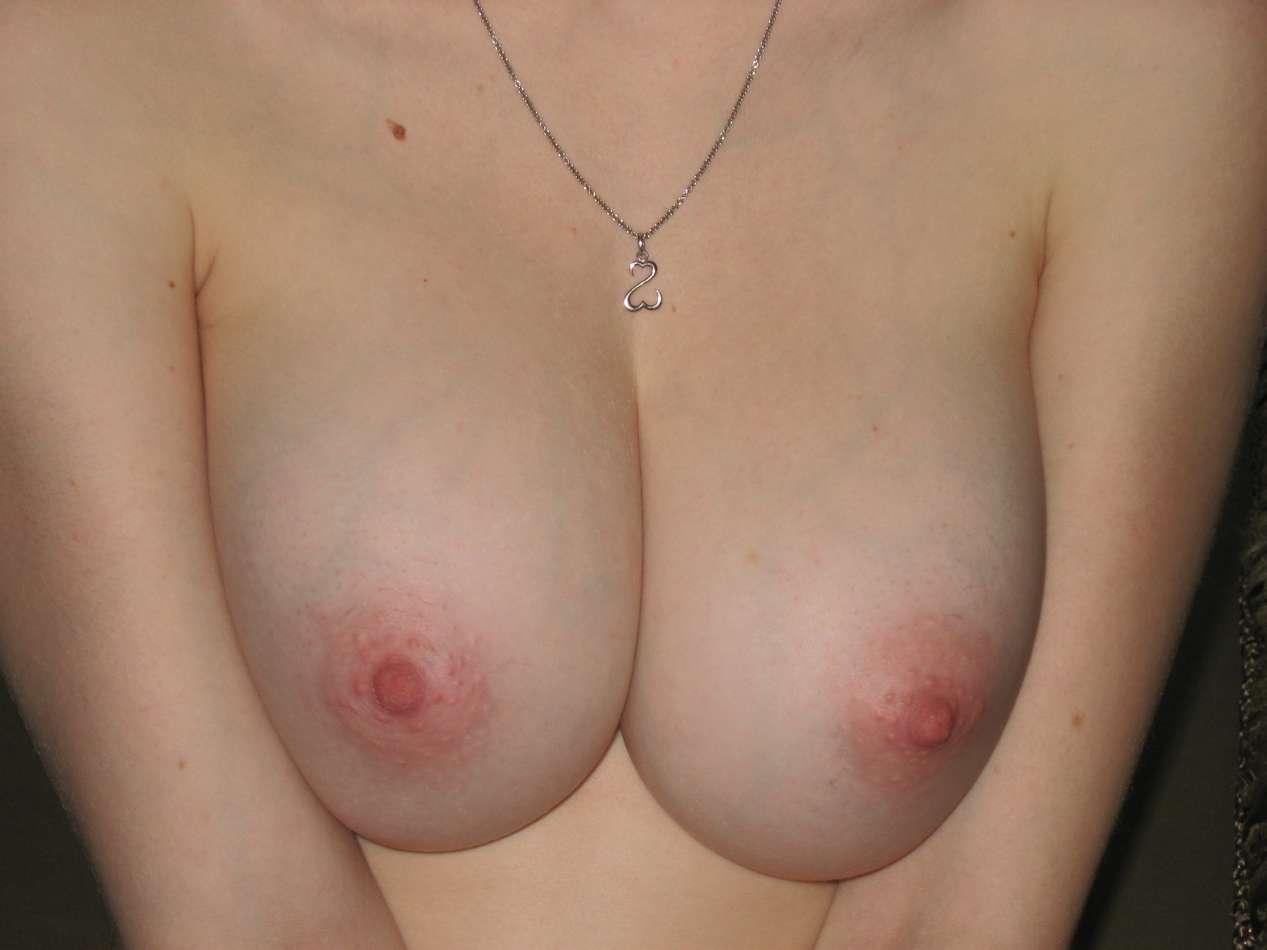 gros seins blonde nue (111)