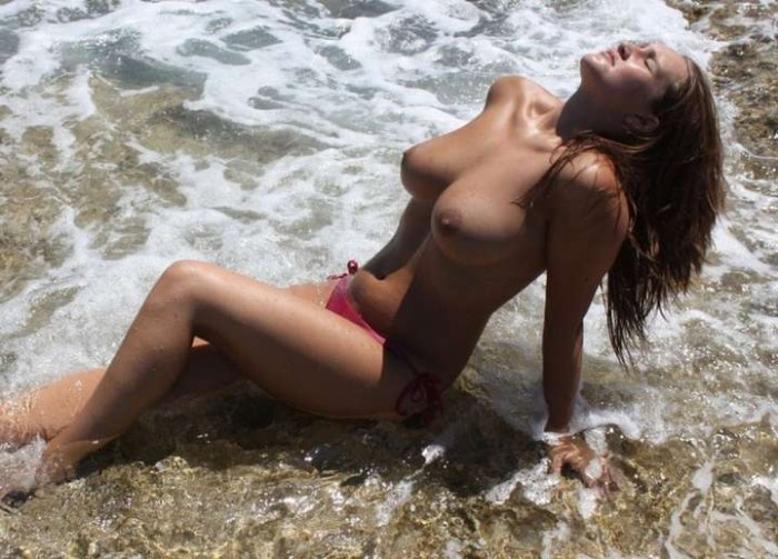 jeune voisine femme ronde gros seins