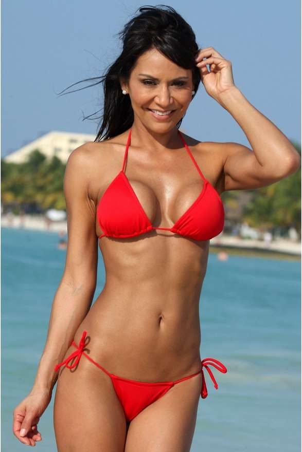 jeune femme sexy bikini (7)
