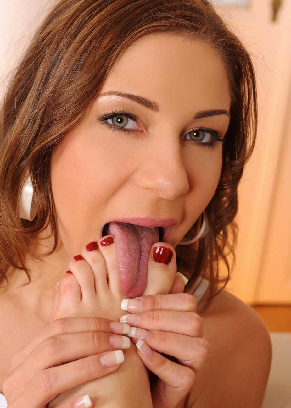 lesbienne leche pied (6)