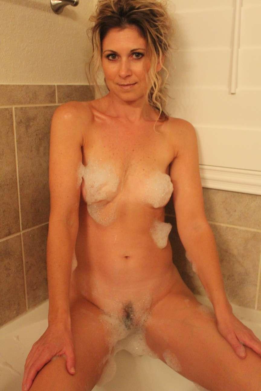 milf blonde nue bain pipe (2)