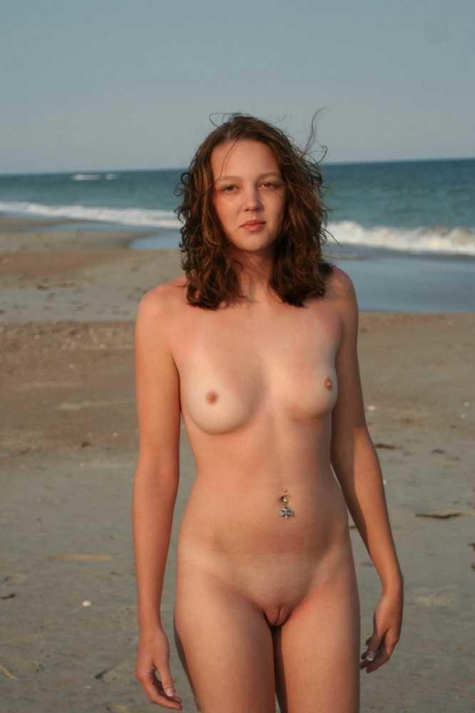 petits seins topless (12)