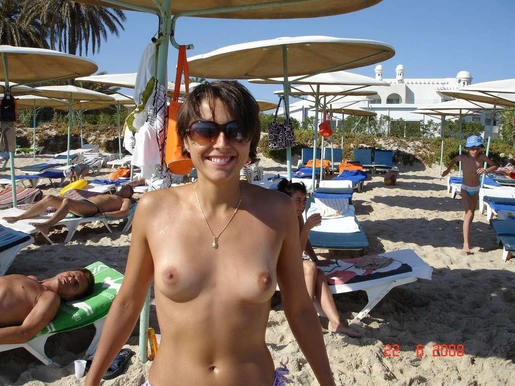 petits seins topless (17)