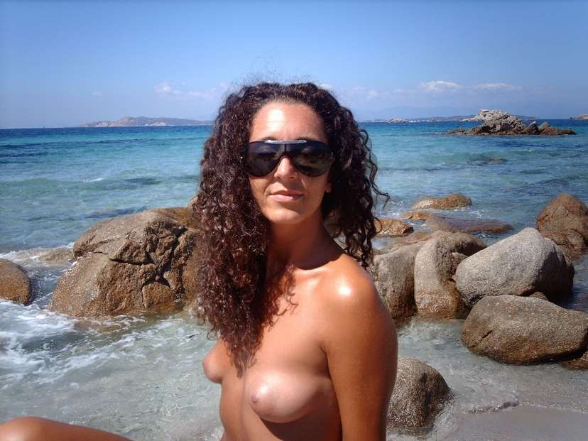 petits seins topless (3)