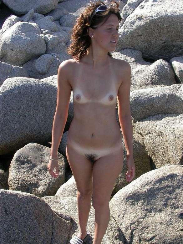 petits seins topless (8)