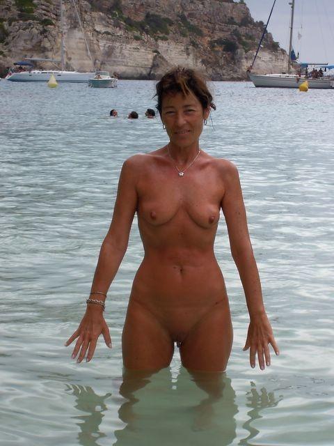 petits seins topless (9)