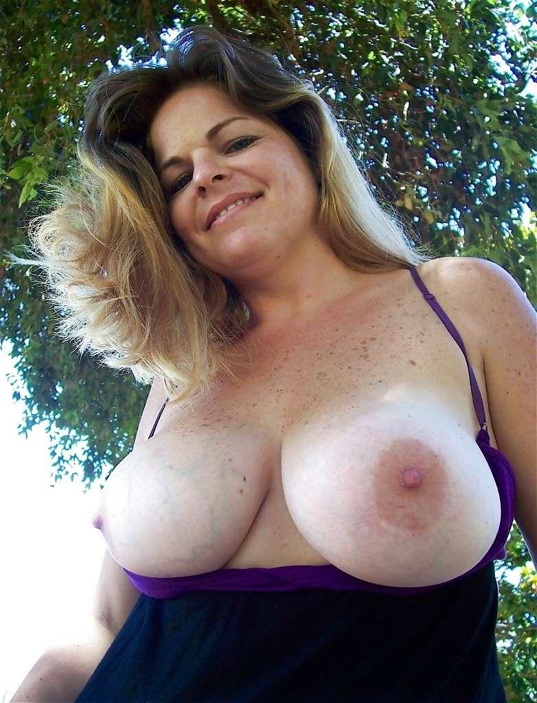 tres gros seins (14)