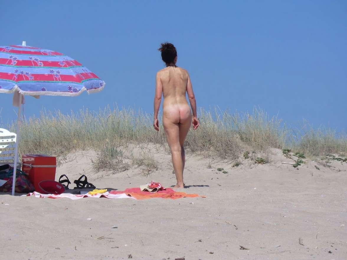 vieille brune plage voyeur (103)