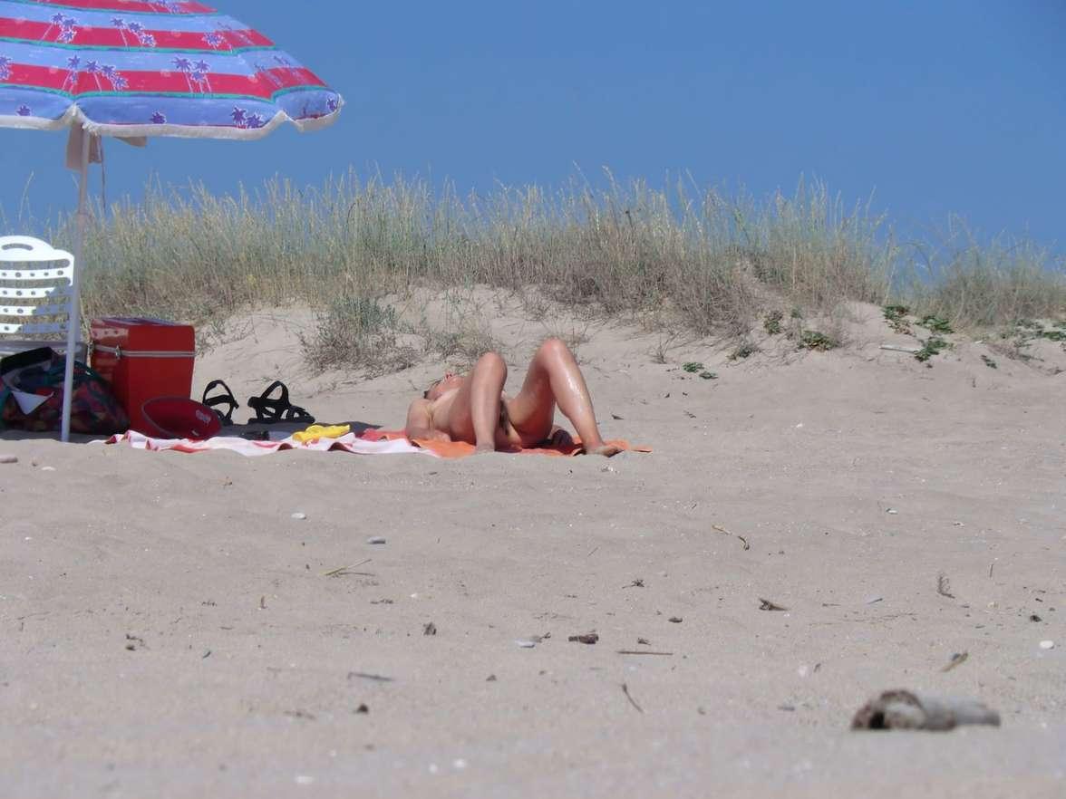 vieille brune plage voyeur (112)