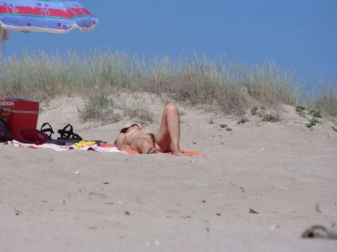 vieille brune plage voyeur (117)
