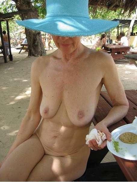 vieille femme nue (14)