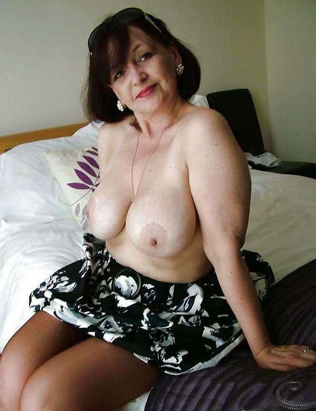 vieille femme nue (2)