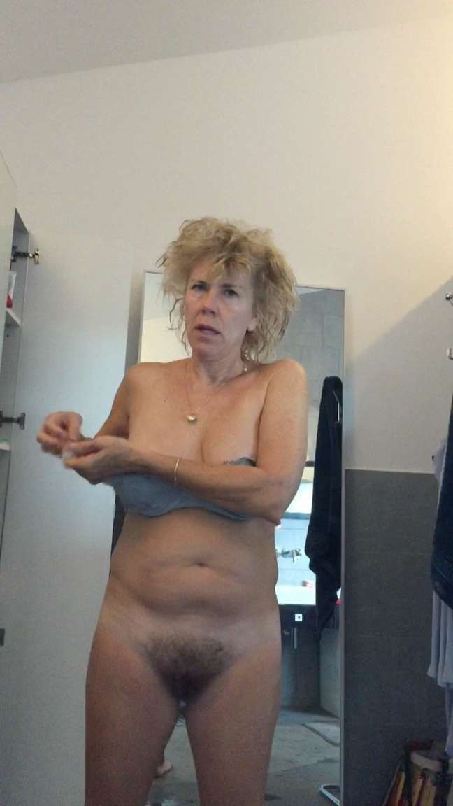 Les gros seins de ma femme qui sort de la douche - 1 part 7