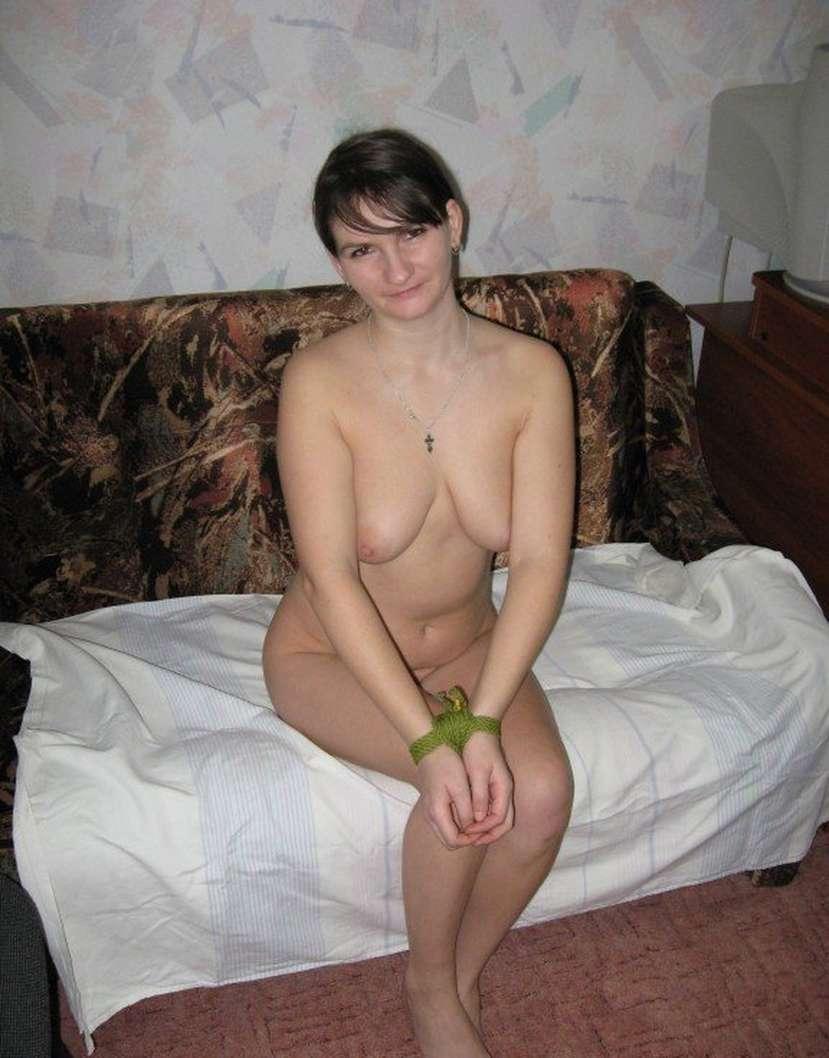 amatrice brune nue salope (24)