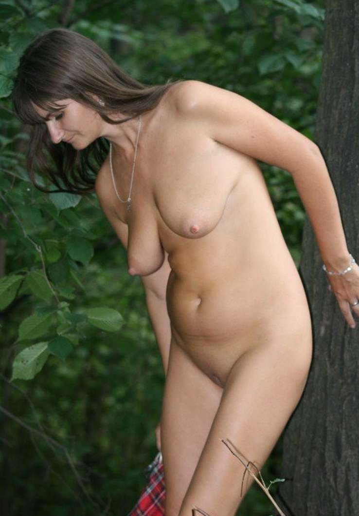 amatrice brune nue salope (73)